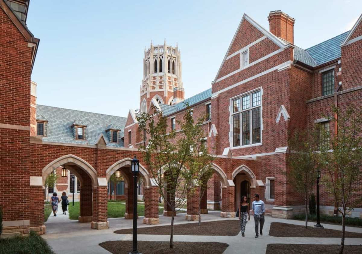 Vanderbilt University wanted E. Bronson Ingram Residential College to reflect the Collegiate Gothic architecture of Ivy League schools. The outdoor courtyard is one of the prime gathering spaces. (Hall + Merrick Photographers)